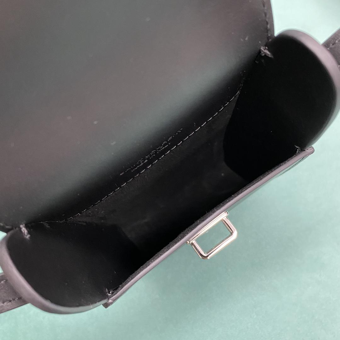 【P830】一件代发 YSL圣罗兰进口牛皮复古单肩斜挎手机包 667718黑色
