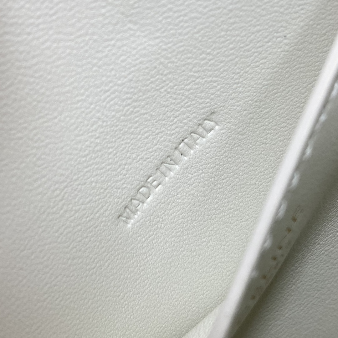 【P1020】Celine包包官网 思琳2021秋冬单品TaBou手拿包单肩包101592 白色