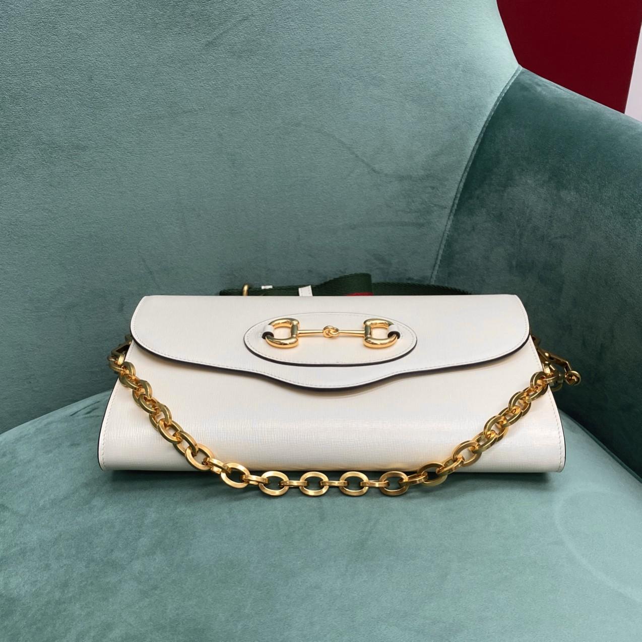 【P1050】古驰女包批发 Gucci 1955系列链条信封包斜挎腋下包 677286白色
